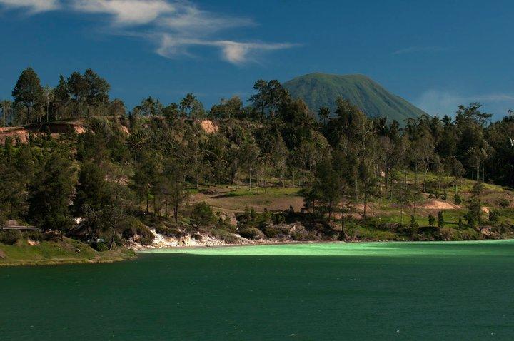 Video : Wisata Alam Danau Linow